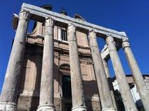 Tempio di Antonino e Faustina imagen de archivo