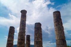 Tempio di Apollo ed il teatro all'oracolo di Delfi archeologico Fotografia Stock