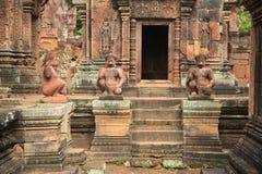 Tempio 3 di Banteay Srei dell'entrata principale Immagini Stock Libere da Diritti