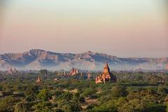 Tempio di Buddha nell'alba di tramonto fotografia stock libera da diritti