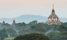Tempio di Gawdawpalin, Myanmar fotografia stock libera da diritti