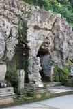Tempio di Goa Gajah - entrata della caverna fotografie stock