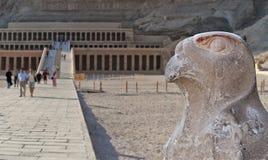 Tempio di Hatsepsut nella valle delle regine Fotografia Stock