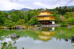 Tempio di Kinkakuchi - il tempio dorato Fotografia Stock Libera da Diritti