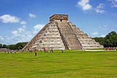 Tempio di Kukulcan, o 'El Castillo', Chichen Itza, Messico Immagine Stock