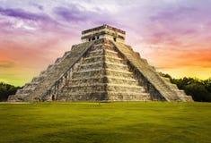 Tempio di Kukulkan della piramide. Chichen Itza. Il Messico. Fotografia Stock