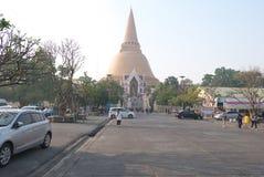 Tempio di Phra Pathom Chedi in Nakhon Pathom immagini stock libere da diritti