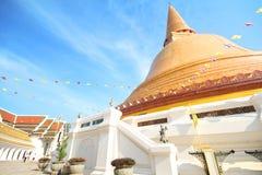 Tempio di PHRA PRATHOM JEDI, la grande pagoda della Tailandia Fotografie Stock Libere da Diritti