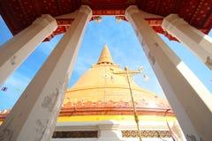 Tempio di PHRA PRATHOM JEDI, la grande pagoda della Tailandia Fotografia Stock