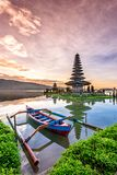 Tempio di Pura Ulun Danu Bratan sull'isola di Bali in Indonesia 5 Fotografie Stock Libere da Diritti