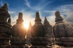 Tempio di stupore di Prambanan contro il cielo di alba l'indonesia fotografia stock libera da diritti
