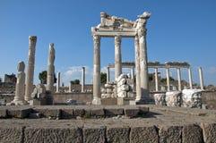 Tempio di Traiano a Pergamos immagine stock libera da diritti