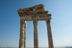 Tempio di Traiano a Pergamos fotografie stock libere da diritti