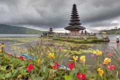 Tempio di Ulun Danu Immagini Stock
