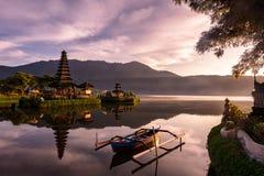 Tempio di Ulundanu, Bali Indonesia Immagine Stock