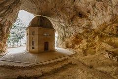 Tempio di Valadier in Genga, Italia Fotografia Stock Libera da Diritti
