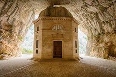 Tempio di Valadier in Genga, Italia Immagine Stock Libera da Diritti