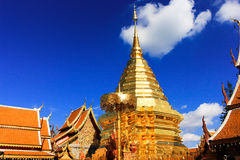 Tempio di Wat Phrathat Doi Suthep in Chiang Mai, Tailandia fotografie stock libere da diritti