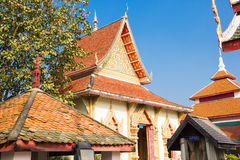 Tempio di Wat Phrathat Hariphunchai, Lamphun, Tailandia. immagini stock libere da diritti