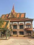 Tempio di Wat Preah Prom Rath in Siem Reap, Cambogia fotografia stock libera da diritti