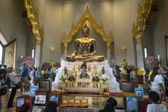 Tempio di Wat Traimit a Bangkok Immagini Stock Libere da Diritti