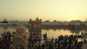 Tempio dorato dell'India Amritsar stock footage