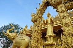Tempio dorato della pittura, Wat Pak Nam Jolo, colpo Khla, Chachoengsao Tailandia Fotografia Stock Libera da Diritti