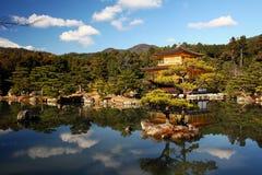 Tempio (dorato) di Kinkakuji Fotografie Stock Libere da Diritti