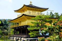 Tempio dorato di Kinkakuji del padiglione al Giappone Immagini Stock
