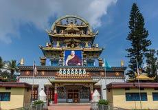 Tempio dorato di Zangdog Parli del monastero buddista di Namdroling, Co Fotografie Stock Libere da Diritti