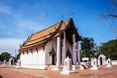 Tempio e cielo blu del santuario immagini stock