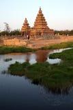 Tempio famoso Mahabalipuram, Tamil Nadu, India della riva fotografia stock