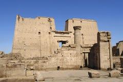 Tempio illuminato soleggiato di Edfu nell'Egitto Immagini Stock