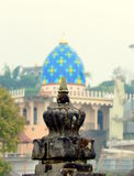 Tempio indù e una moschea Fotografie Stock Libere da Diritti