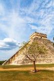 Tempio maya di Kukulcan o il castello, il centro del Chiche Fotografia Stock