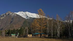 Tempio mongolo buddista di Buryat Mountain View video d archivio