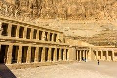 Tempio mortuario di Hatshepsut in EL-Bahari di Deir Fotografie Stock Libere da Diritti