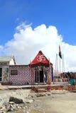Tempio nel passaggio di Khardungla Fotografia Stock