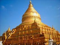tempio nel vecchio Vietnam fuori della città immagine stock libera da diritti