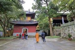 Tempio nell'area scenica dell'isola di Putuoshan, adobe rgb di Guanyin Immagine Stock