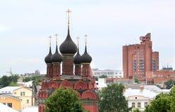 Tempio ortodosso nella città Immagini Stock