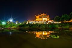 Tempio reale Ratchaphruek della flora Immagine Stock
