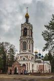 Tempio rurale di Kazan sulla riva di Sherny Immagini Stock Libere da Diritti