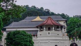 Tempio sacro della reliquia del dente a Kandy, Sri Lanka fotografie stock libere da diritti