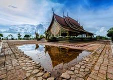 Tempio Sirindhorn Wararam Phuproud, artistico, Tailandia, pubblico pl Fotografia Stock Libera da Diritti