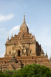 Tempio solo in bagan un giorno dell'uccellino azzurro Fotografie Stock Libere da Diritti