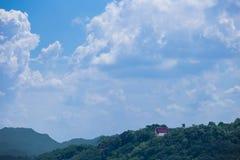 Tempio sopra la montagna Immagini Stock Libere da Diritti