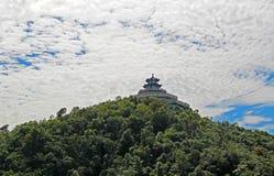 Tempio su Tyanmenshan superiore, Zhangjiajie, provincia del Hunan, Cina Fotografie Stock Libere da Diritti