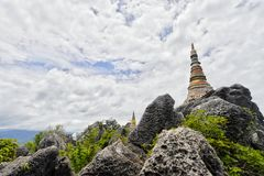 Tempio sulla montagna nel Nord della Tailandia Fotografia Stock