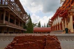 Tempio tailandese durante la riparazione Fotografia Stock Libera da Diritti
